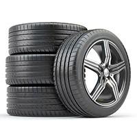 Amplio catálogo de llantas y neumáticos de diferentes marcas y modelos